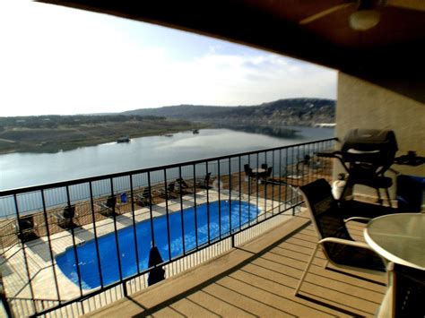 Briarcliff Boat Rental Lake Travis by Briarcliff Condo Waterfront Condo With Lake