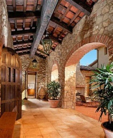 tuscan mediterranean house plans courtyard narrow  story  casita italy marylyonartscom