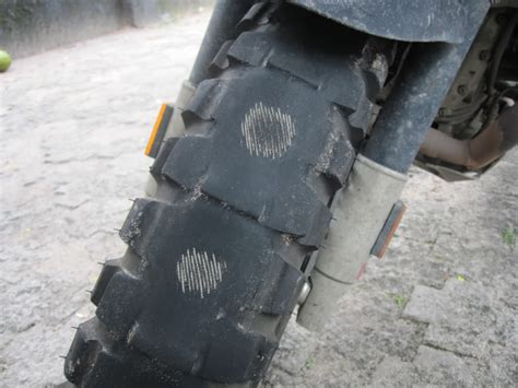 A Guide To Motorcycle Tires