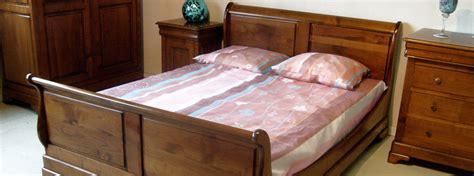 set de chambre bois massif collection meubles bois massif