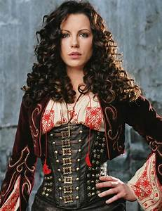 Cosplaying Anna Valerious from Van Helsing | Awesome, By ...