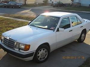 Buy Used 1993 Mercedes-benz 300e -very Clean