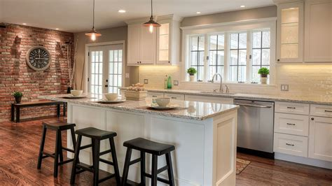 white custom kitchen cabinets builders surplus yee haa custom kitchen cabinets dallas 1287