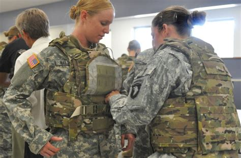 Pentagon To Allow Women To Train For Navy Seals, Army