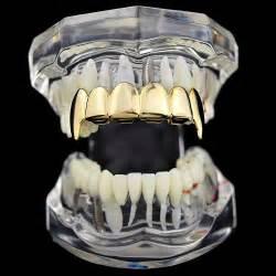 Vampire Grillz Fangs Gold Teeth