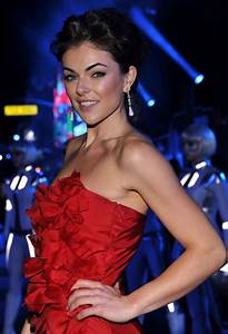 Serinda Swan Photos Photos - Premiere Of Walt Disney's ...