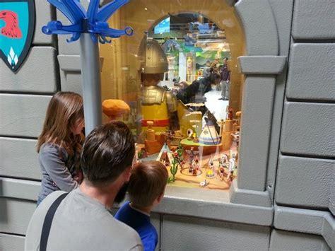 la salle de jeu g 233 ante avec tous les playmobil picture of playmobil funpark fresnes