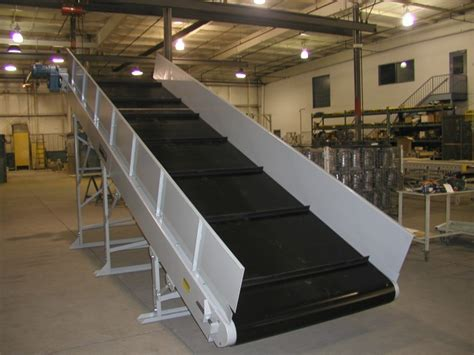 cleated incline belt conveyor