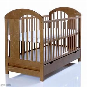 Chambre Bébé Bois Massif : lit b b lasse marron 120x60 bois massif en pin avec un ~ Teatrodelosmanantiales.com Idées de Décoration
