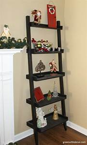 Green, With, Decor-tips, For, Styling, A, Ladder, Shelf, At, Home, Christmas3