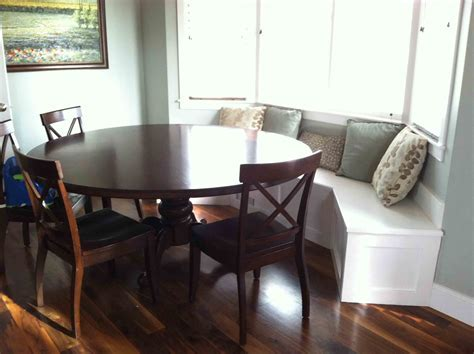 Smart Built in Banquette Seating For Cozy Dining Area