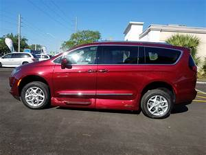 2019 Chrysler Pacifica Touring L - Salsa Red Pearl