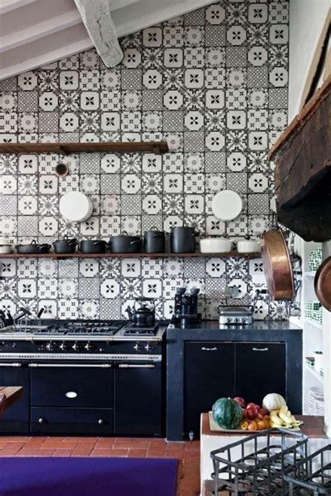 le murale cuisine vous cherchez des idées pour un carrelage noir et blanc