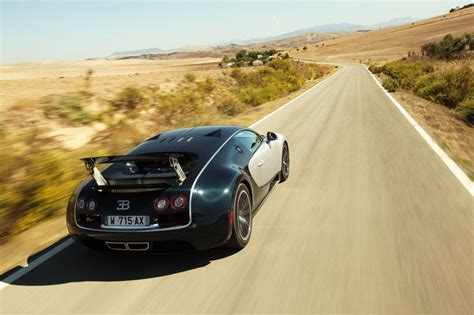 The veyron super sport has 1200 horsepower and goes 258 mph. 2011 Bugatti Veyron 16.4 Super Sport Gallery 384657 | Top Speed