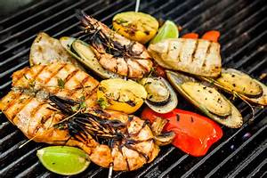 Men Think They Are Grill Masters, But Women Are Spicier
