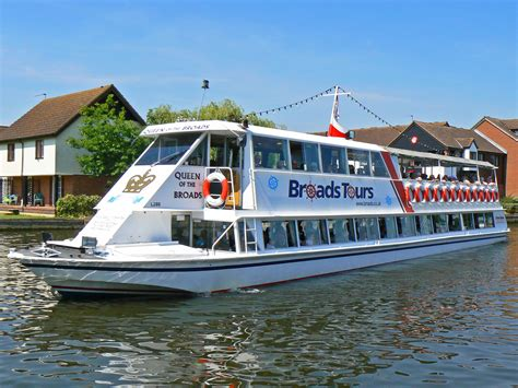 Boat Trip Norfolk Broads by Norfolk Broads Tourist Information Guide