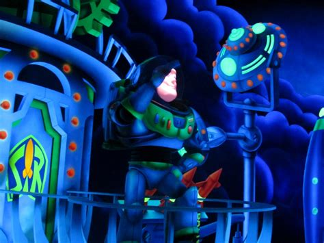 wdwthemeparks buzz lightyear s space ranger spin