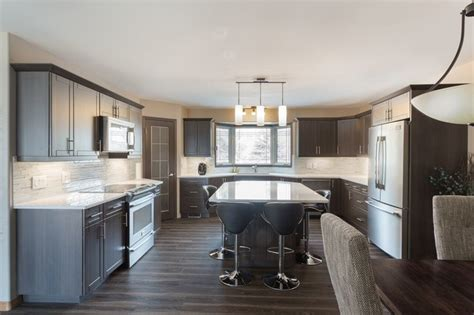 nu kitchens and floors inc tuxedo shaker style kitchen cabinet refacing 7122