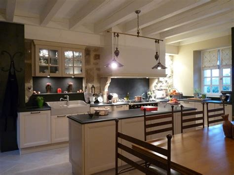 cuisine rustique et moderne cuisine rustique cuisines 2c créations