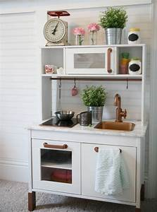 Ikea Duktig Rückwand : ikea duktig play kitchen hack i spray painted the kitchen white the fixture sink hardware ~ Frokenaadalensverden.com Haus und Dekorationen