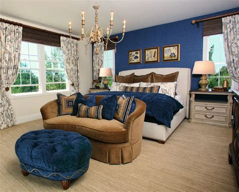 Loveseat In Bedroom by 16 Master Bedroom Designs With Loveseats