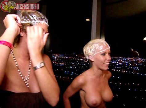 Naked Kendra Wilkinson In The Girls Next Door