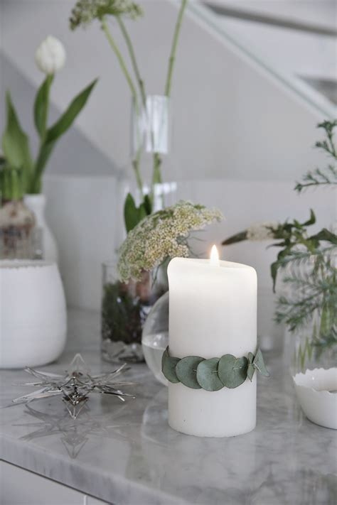 decorate with flowers and candles stylizimo