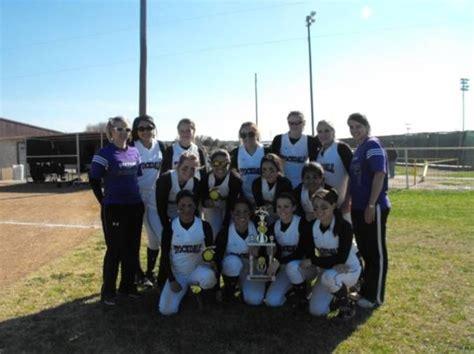stockdale isd lady brahma softball update