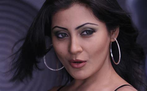 Rimi Sen Bollywood Actress Wallpapers http://funnmusti ...