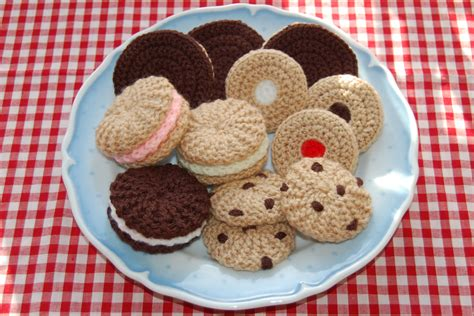 crochet cuisine knitting crochet pattern for a selection of biscuits cookies knitted food food play