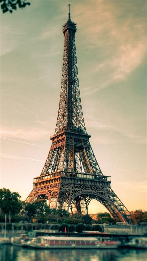 Black Wallpaper Iphone Eiffel Tower by Free Iphone Wallpapers My Hd Wallpapers
