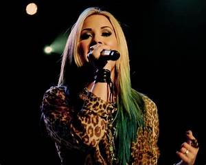 Demi Lovato Blonde Green | ~Hair Colors/Styles~ | Pinterest