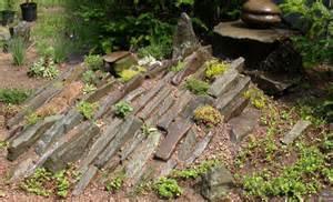 Natural Rock Garden Landscaping