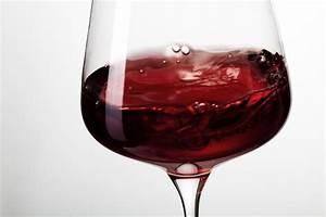 Verre à Vin Géant : une tude confirme qu 39 un verre de vin rouge par jour est ~ Teatrodelosmanantiales.com Idées de Décoration