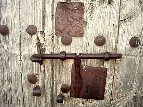 cerradura antigua torralba de los sisones