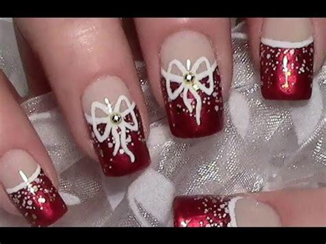 weihnachts nageldesign mit schleife christmas nails