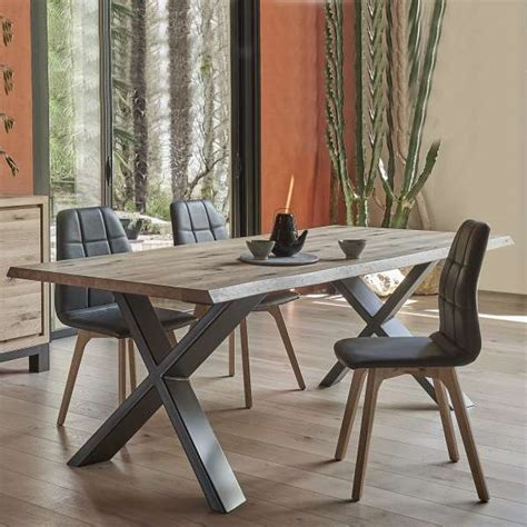 peindre une cuisine en chene rustique table de salle à manger moderne extensible en chêne massif