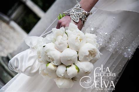 fiori e spose addobbi floreali e bouquet con peonie
