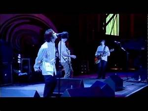Oasis - Champagne Supernova (Live at Knebworth) - YouTube