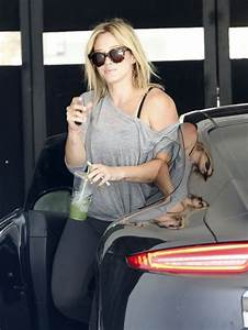 Hilary Duff Drives Her Porsche 911 to the Gym: Not a G ...