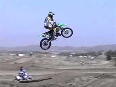 how to jump a motocross bike dirt bike jumping feat bubba youtube