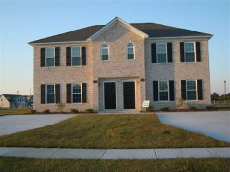 Townhouse For Rent In 2313 Chavis Dr.