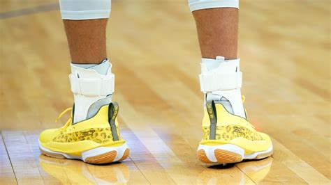 The madness was constant and still, sitting there, like a place on a. Steph Curry wears shoes designed by Riley, scores 32 in Warriors' win