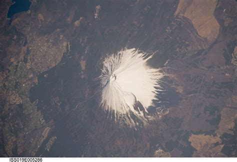 Observing Earth Iss Expedition 19 Mount Fuji Japan