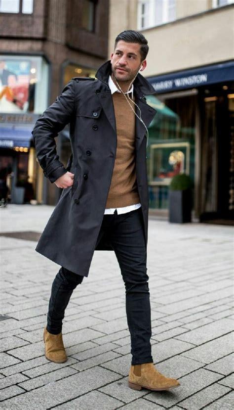 classique chic trench noir et pull camel tenue classe homme tendance mode homme 233 l 233 gant et