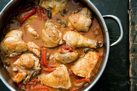 chicken reciepies chicken cacciatore hunter style chicken recipe simplyrecipes com