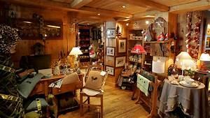 Plaisir D Interieur Deco Montagne : charmant meuble de montagne savoyard avec tabouret de bar en bois avec dossier galerie des ~ Dallasstarsshop.com Idées de Décoration