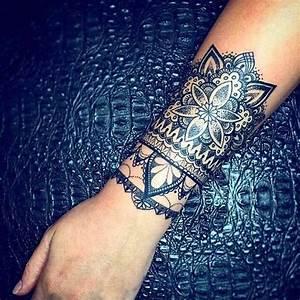 Tatouage Avant Bras Femme : tatouage avant bras femme rose mandala kolorisse ~ Melissatoandfro.com Idées de Décoration