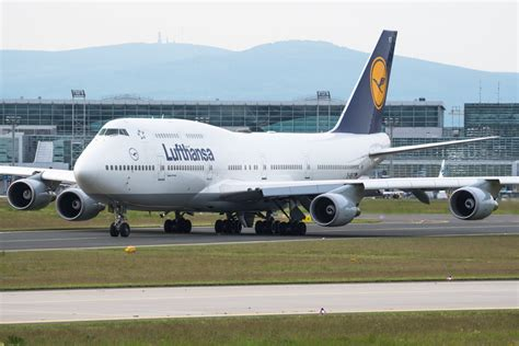 Lufthansa to extend Boeing 747 Berlin operations   AIRLIVE.net