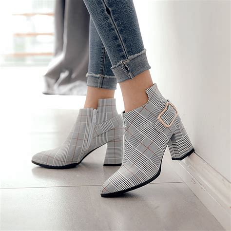 Kebeiority Large Size Women Boots Fashion Plaid